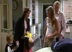 Steph Scully, Lyn Scully, Oscar Scully, Max Hoyland in Neighbours Episode 4956