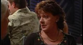 Lou Carpenter, Mishka Schneiderova in Neighbours Episode 4958
