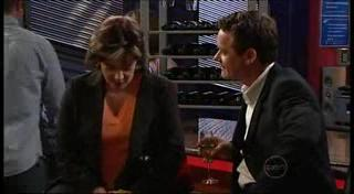 Lyn Scully, Paul Robinson in Neighbours Episode 4958