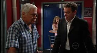 Paul Robinson, Lou Carpenter in Neighbours Episode 4958