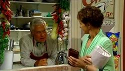 Lou Carpenter, Susan Kennedy in Neighbours Episode 4690