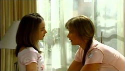 Summer Hoyland, Steph Scully in Neighbours Episode 4690