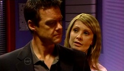 Paul Robinson, Izzy Hoyland in Neighbours Episode 4692