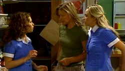 Serena Bishop, Steph Scully, Sky Mangel in Neighbours Episode 4694