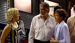 Sindi Watts, Gary Evans, Susan Kennedy in Neighbours Episode 4694