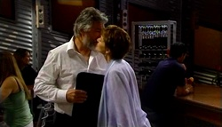 Gary Evans, Susan Kennedy in Neighbours Episode 4694