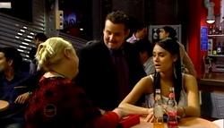 "Genevieve ""Eva"" Doyle, Toadie Rebecchi, Carmella Cammeniti in Neighbours Episode 4695"