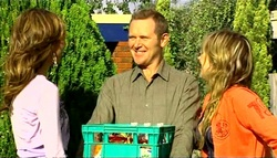 Katya Kinski, Max Hoyland, Steph Scully in Neighbours Episode 5033