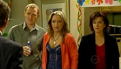 Paul Robinson, Max Hoyland, Steph Scully, Lyn Scully in Neighbours Episode 5033