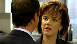 Paul Robinson, Lyn Scully in Neighbours Episode 5033