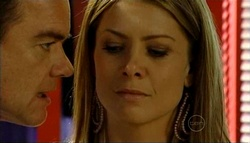 Paul Robinson, Izzy Hoyland in Neighbours Episode 5033