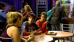 Janelle Timmins, Zeke Kinski, Rachel Kinski, Lou Carpenter in Neighbours Episode 5035