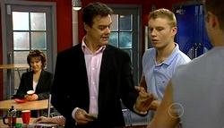 Lyn Scully, Paul Robinson, Boyd Hoyland in Neighbours Episode 5036