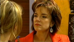 Steph Scully, Lyn Scully in Neighbours Episode 5038