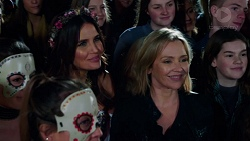 Elly Conway, Steph Scully in Neighbours Episode 7726