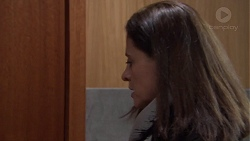 Louise McLeod in Neighbours Episode 7726