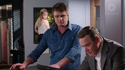 Gary Canning, Paul Robinson in Neighbours Episode 7729