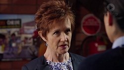 Susan Kennedy, Yashvi Rebecchi in Neighbours Episode 7730