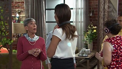 Hilary Robinson, Elly Conway in Neighbours Episode 7730