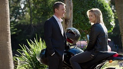Paul Robinson, Steph Scully in Neighbours Episode 7731