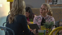 Courtney Grixti, Xanthe Canning in Neighbours Episode 7734
