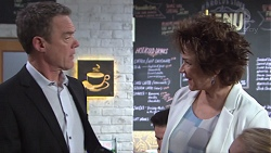 Paul Robinson, Lyn Scully in Neighbours Episode 7734