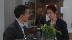 Jack Callaghan, Susan Kennedy in Neighbours Episode 7734