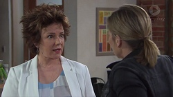 Lyn Scully, Steph Scully in Neighbours Episode 7734