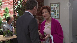 Paul Robinson, Susan Kennedy in Neighbours Episode 7737