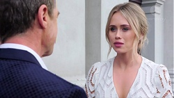 Paul Robinson, Courtney Grixti in Neighbours Episode 7738