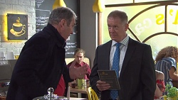 Karl Kennedy, Clive Gibbons in Neighbours Episode 7739