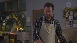 Shane Rebecchi in Neighbours Episode 7740