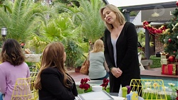 Terese Willis, Steph Scully in Neighbours Episode 7740