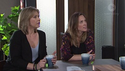 Steph Scully, Sonya Rebecchi in Neighbours Episode 7740