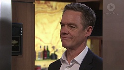 Paul Robinson in Neighbours Episode 7741
