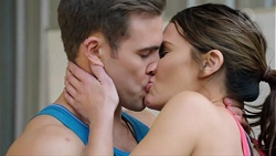 Aaron Brennan, Elly Conway in Neighbours Episode 7744