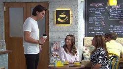 Leo Tanaka, Amy Williams, Terese Willis in Neighbours Episode 7745