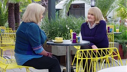 Sheila Canning, Joanne Schwartz in Neighbours Episode 7745