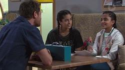 Shane Rebecchi, Yashvi Rebecchi, Kirsha Rebecchi in Neighbours Episode 7746