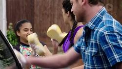 Kirsha Rebecchi, Yashvi Rebecchi, Shane Rebecchi in Neighbours Episode 7758