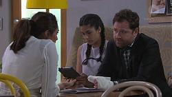 Dipi Rebecchi, Yashvi Rebecchi, Shane Rebecchi in Neighbours Episode 7759