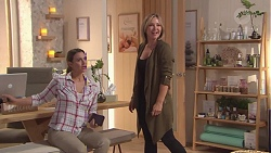 Amy Williams, Steph Scully in Neighbours Episode 7767