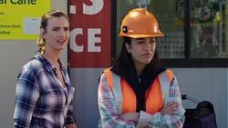 Amy Williams, Yashvi Rebecchi in Neighbours Episode 7773