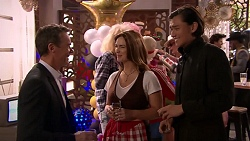 Paul Robinson, Amy Williams, Leo Tanaka in Neighbours Episode 7777