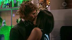 Mark Brennan, Paige Novak in Neighbours Episode 7777