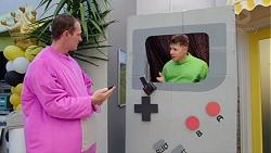 Stuart Parker, Lance Wilkinson in Neighbours Episode 7777