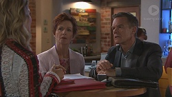 Izzy Hoyland, Susan Kennedy, Paul Robinson in Neighbours Episode 7777
