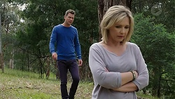 Mark Brennan, Steph Scully in Neighbours Episode 7781