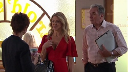 Susan Kennedy, Izzy Hoyland, Karl Kennedy in Neighbours Episode 7782