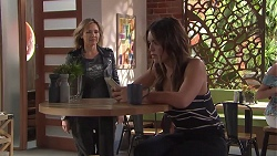 Steph Scully, Paige Novak in Neighbours Episode 7782
